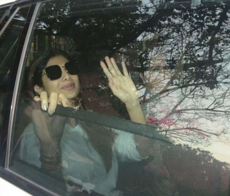 Bollywood: PHOTOS:  Virat, Anushka, Kangana and Aamir Khan meet Sridevi's family