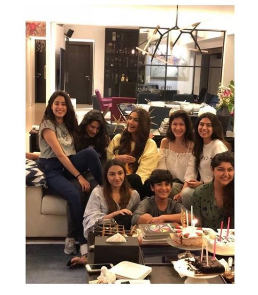 Bollywood: Janhvi Kapoor celebrates her 21st birthday with dad and sisters Sonam, Rhea, Khushi
