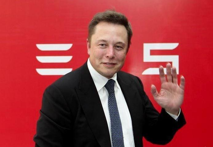 Elon Musk: Space bases could preserve civilisation in World War III