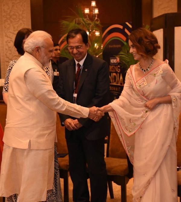 PM Modi meets 'big fan' Kangana and Prasoon Joshi