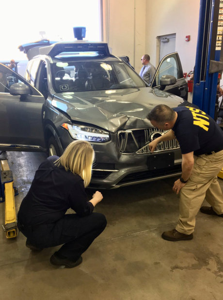 Arizona says not time to rein in self-driving cars after Uber fatality
