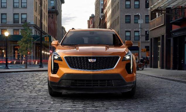 Cadillac introduces first-ever XT4