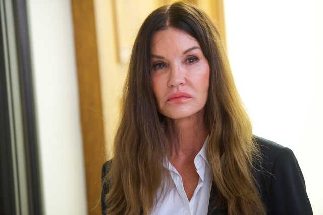 US model tells retrial Cosby raped her in 1982