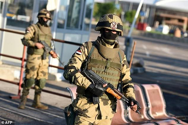 Egypt army says eight soldiers, 14 jihadists killed in Sinai attack