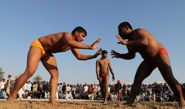 PHOTOS: For Pakistani dockworkers in Dubai, kushti is a way of life