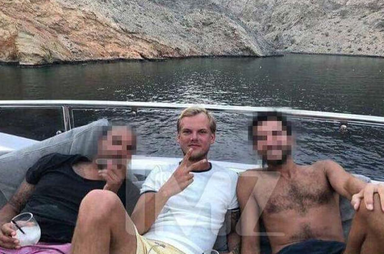 Avicii poses with cocktail on yacht in photo taken a day before his death