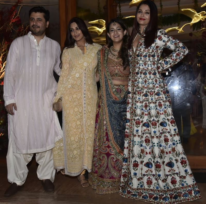 Bollywood: OMG: Watch as Sara Ali Khan, Sonam, Shweta Bachchan, Karan Johar dance with abandon at wedding