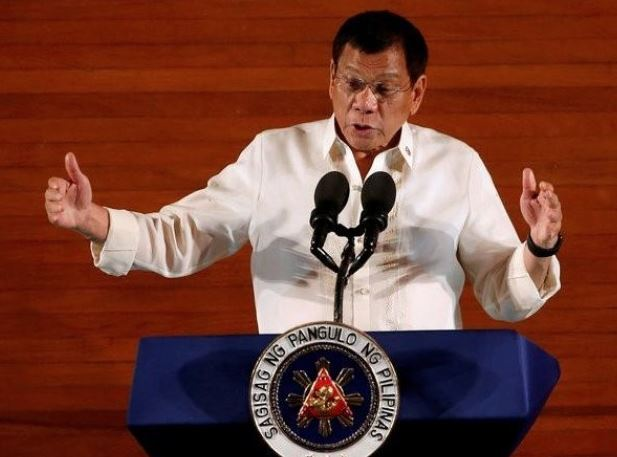 Philippines moves to halt Kuwait migrant row