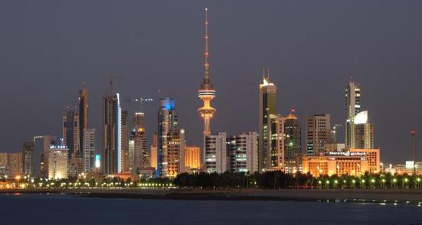 Iran quake damages high-rise building in Kuwait