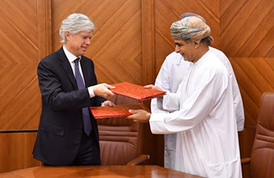Total signs up to develop gas project in Oman