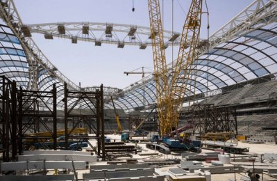 Roof installed at Qatar 2022 World Cup venue