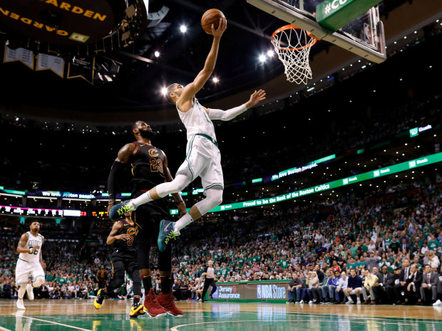 Celtics push James, Cavs to brink with game 5 NBA win