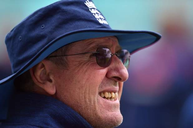 Root and Bayliss slam 'outrageous' claims of England 'fixing' in India