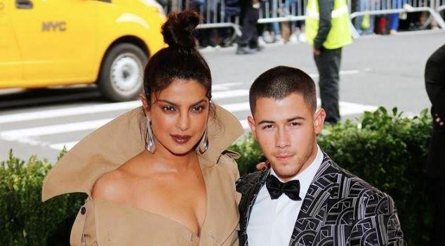 Nick Jonas and Priyanka Chopra are dating!