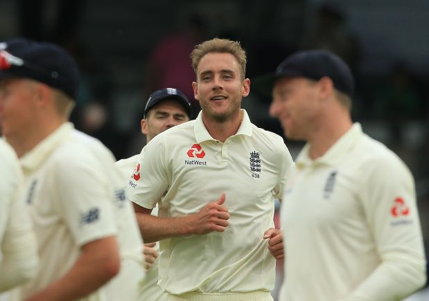England hammer Pakistan to win second Test and square series