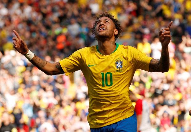 Neymar back with a bang as Brazil star sinks Croatia