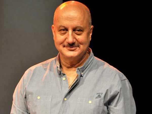 Anupam Kher takes Mumbai local to promote passenger safety