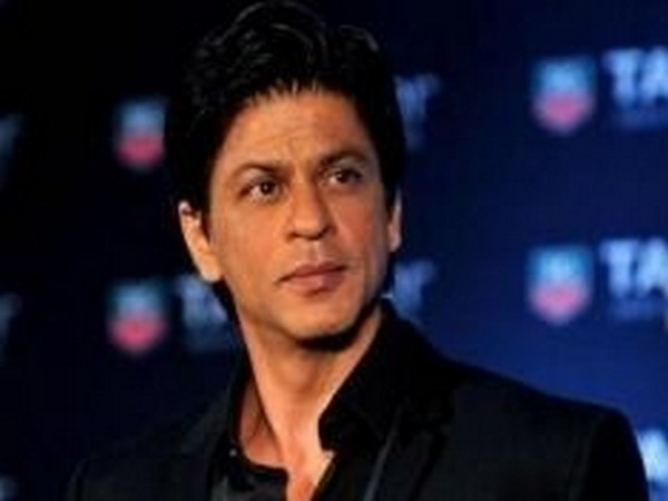 SRK's hilarious dodge on staying mum about social issues