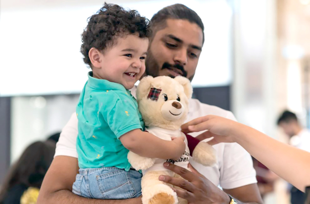 <p><em>Few days left to donate and make a difference</em></p><p>Used clothes, books, toys and non-perishable food items can still be donated to the 12th annual Make a Difference Together campaign launched by regional mall operator Majid Al Futtaim.</p><div>Visitors to City Centre Bahrain can place the donations in special boxes at the mall until the end of Ramadan. The Bahrain Islamic Association will distribute the donations among the needy.</div>