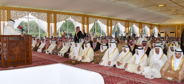 <p>His Majesty King Hamad performed Eid Al Fitr prayers yesterday. His Royal Highness Prince Salman bin Hamad Al Khalifa, Crown Prince, Deputy Supreme Commander and First Deputy Premier, the King's sons, senior Royal Family members, chairmen of the Shura Council and parliament, senior state officials and senior military officers also took part in the prayers at Sakhir Palace.</p>