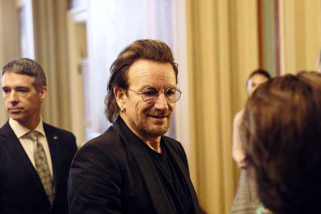 U2's Bono calls on US lawmakers to end family separations