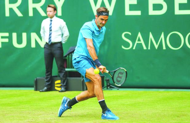 Federer off to hot start in Halle