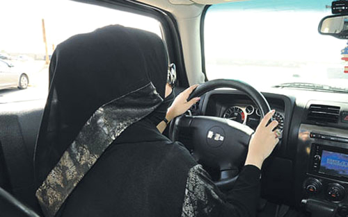 Fines for women caught driving before Sunday ban-lift