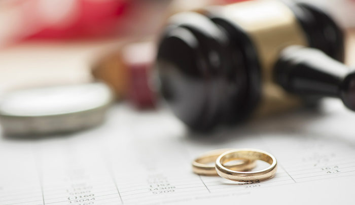 22 divorces, 33 marriages daily in Kuwait