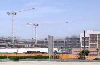 UAE Business: Potain cranes deployed at UAE residential project site