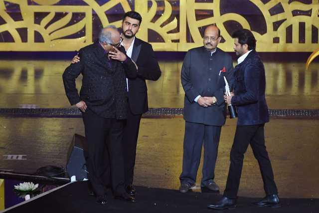 Bollywood star Sridevi wins posthumous prize at India film awards