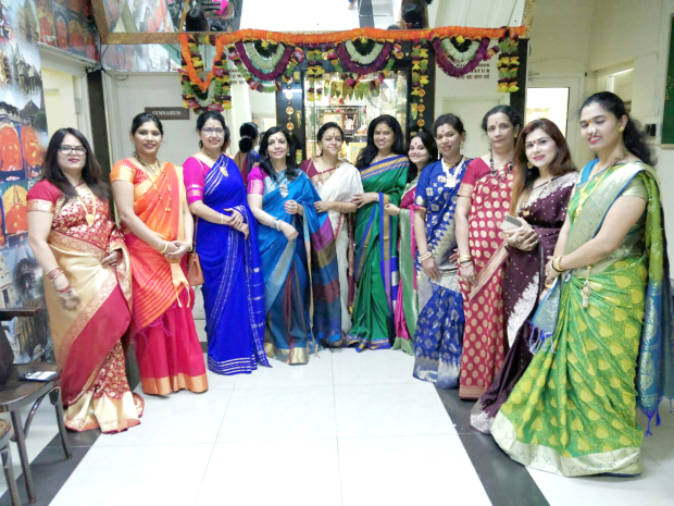 <p><em>At the event are ILA members and society officials</em></p>