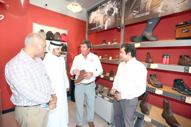 <p><em>Guests and customers at the launch.</em></p>