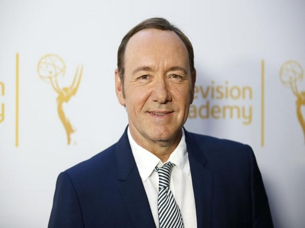 Robin Wright: 'House of Cards' cast 'surprised' by Spacey allegations