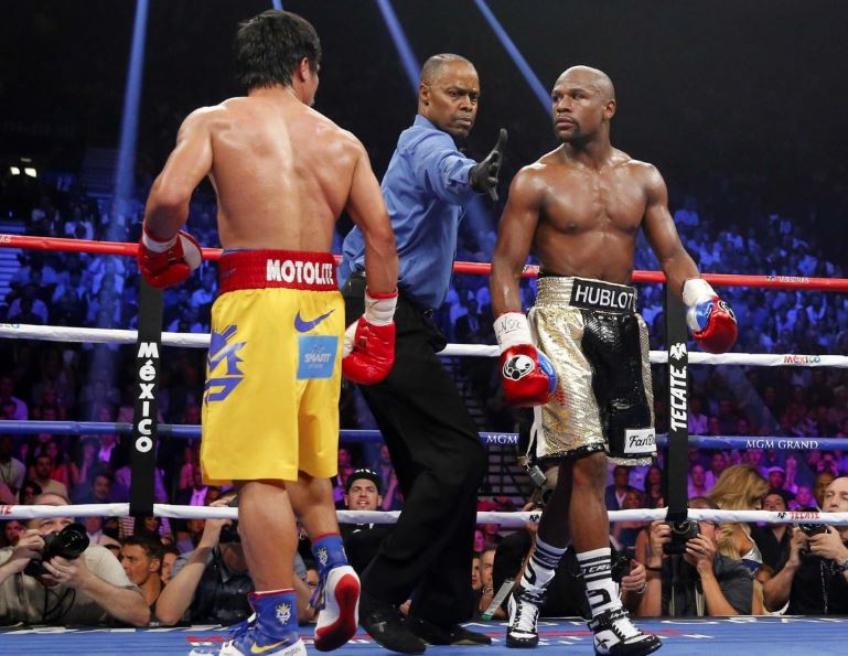 Pacquiao offers Mayweather a rematch