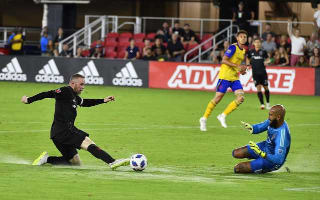 MLS: Rooney scores first DC United goal before breaking nose