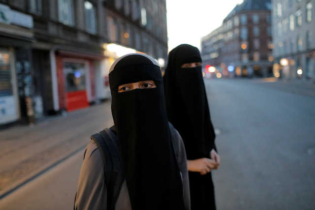 PHOTOS: A crime or a right? Some Danish Muslims to defy face veil ban