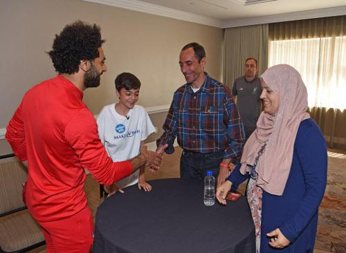 Video: Young fan's dream to meet Mohamed Salah comes true