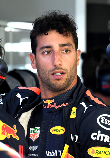 Ricciardo to leave Red Bull for Renault
