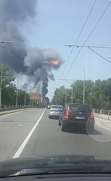 World News: PICTURES: One dead after tanker truck explodes in Bologna