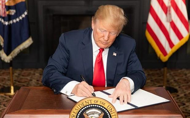 Trump reimposes Iran sanctions