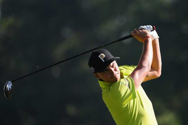 Fowler sets early pace