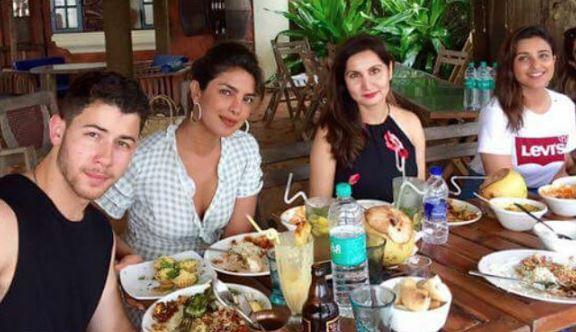 Bollywood: Priyanka Chopra flashes engagement ring finally!