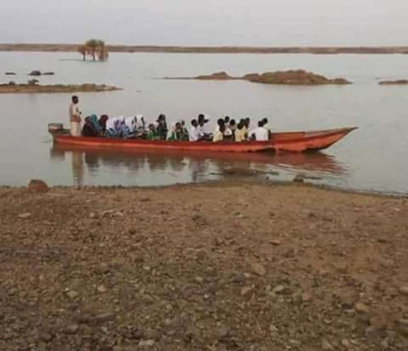 22 Sudanese school children drown in the Nile on their way to school