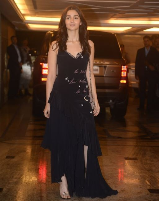Bollywood: IN PICTURES: Stars arrive in style for Priyanka-Nick engagement bash