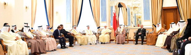 Premier calls to strengthen national unity