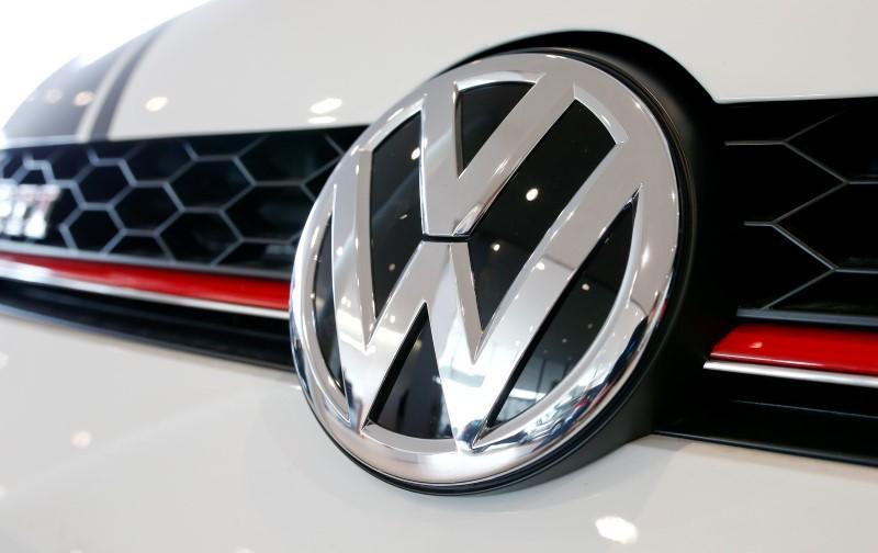 Volkswagen recalls 700,000 SUVs over short circuit risk