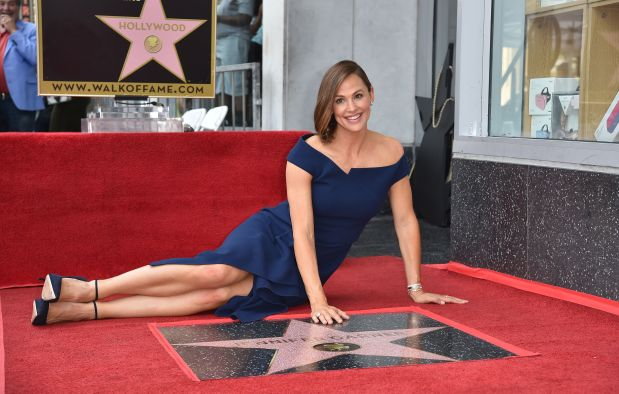 Hollywood: IN PICTURES: Jennifer Garner honoured with Hollywood star