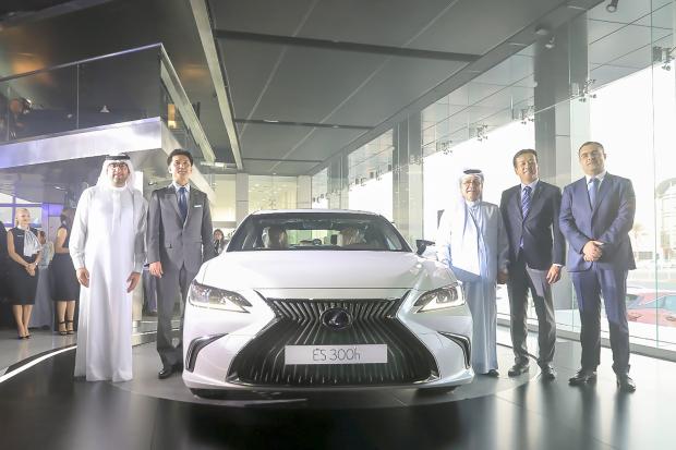Video: New generation Lexus ES unveiled