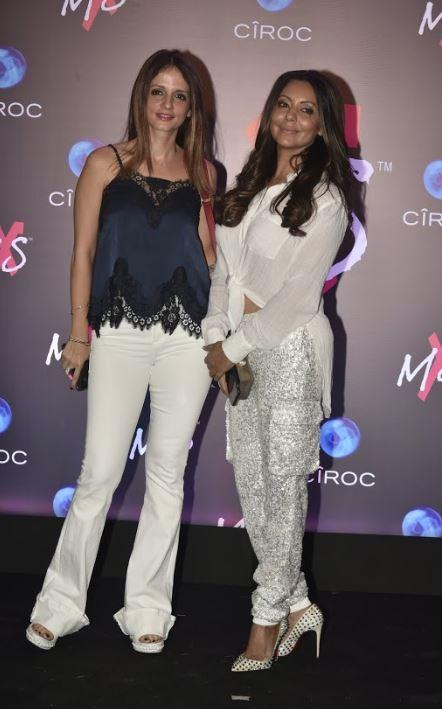Bollywood: Photos: Family bonding on full display at Shweta Bachchan's fashion label launch