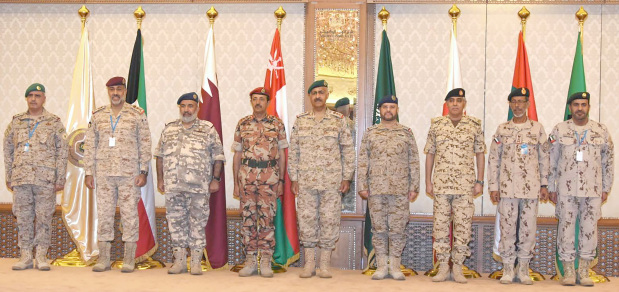 <p>BDF Chief-of-Staff Lt Gen Dhiyab bin Saqr Al Nuaimi yesterday headed Bahrain's delegation to the 15th meeting of the GCC Supreme Military Committee in Kuwait. It was attended by the Chiefs of Staff of the GCC, Egypt, Jordan and the US CENTCOM commander. They discussed future Gulf defence policy and ways to strengthen military co-ordination.</p>